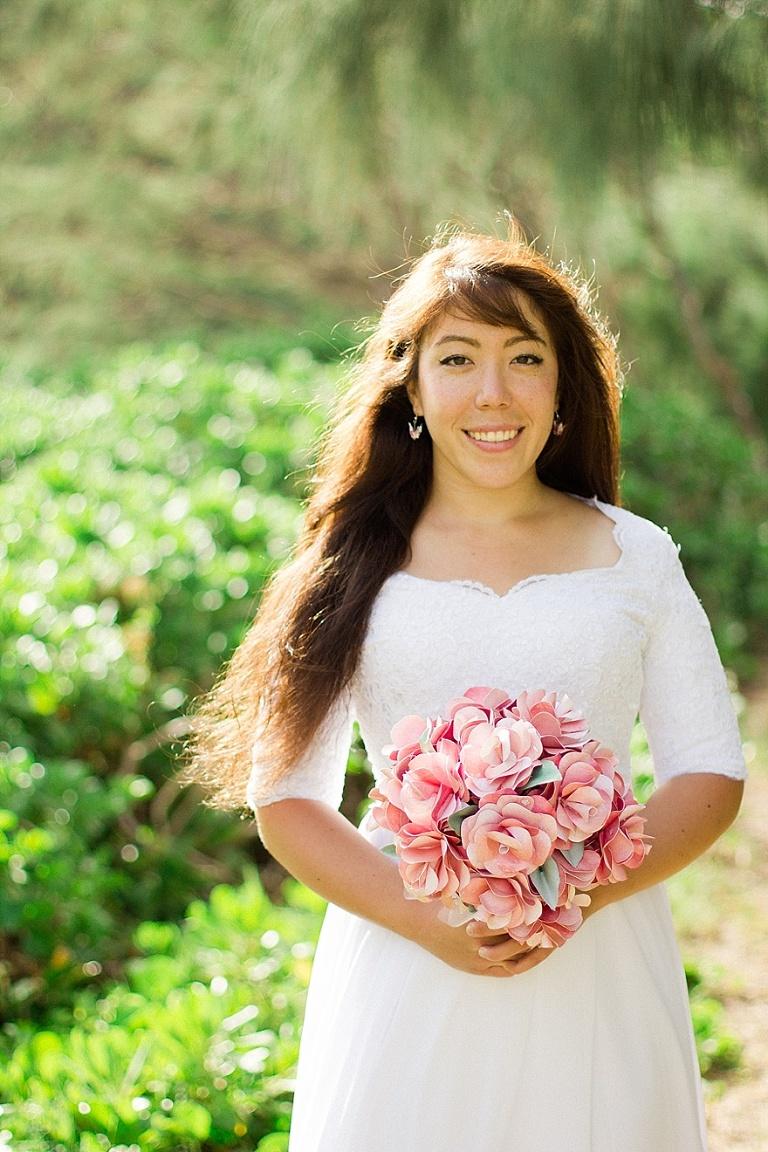 DIY paper bouquet with bride